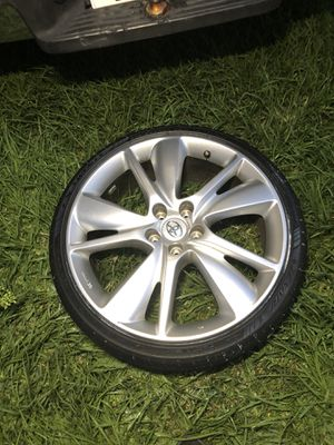 Toyota infiniti 5/114 rims wheels and tire for Sale in Kissimmee, FL