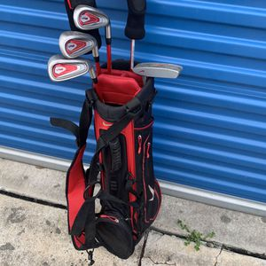 Nike Beginner VRS Golf Clubs With Bag. for Sale in Humble, TX