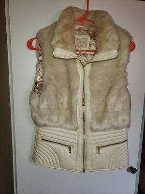 Of white zip -up fur vest for Sale in Dearborn, MI