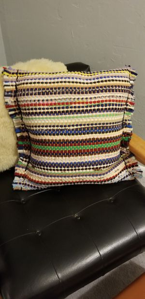 Hand-Made Upcycled Rag Rug Accent Pillow w/ goose down inseet $15.00 FIRM for Sale in Lake Ridge, VA