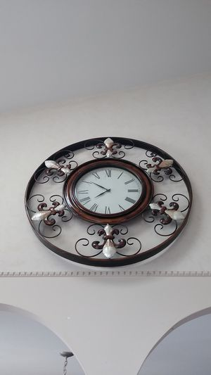 Beautiful antique Roman clock trimmed in brass speed and ivory Stone for Sale in Lumberton, NJ