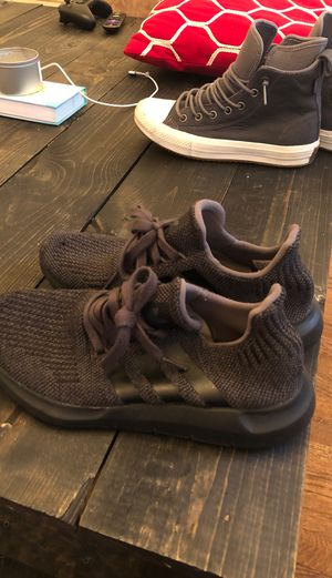 All black Adidas shoes women's size 7 for Sale in Pittsburgh, PA