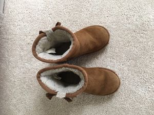 UGH Boots for 3-5 year old girls for Sale in NJ, US
