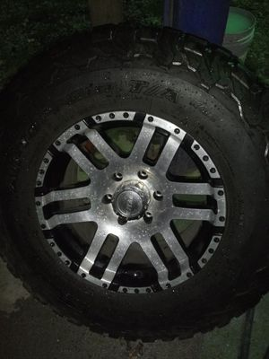 Eagle. 6 1lug mud tires1 for Sale in Houston, TX