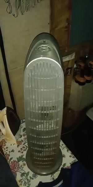 Honeywell. Standing fan for Sale in Grandview, WA