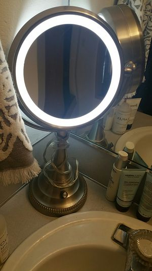 Makeup vanity mirror for Sale in Vancouver, WA