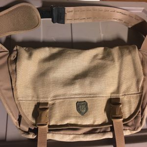 Burton Crossbody Messenger Bag for Sale in Cave Creek, AZ