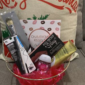 Makeup & Beauty Gift Set for Sale in Ontario, CA
