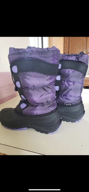 Girls kids snow boots size 9 for Sale in San Diego, CA