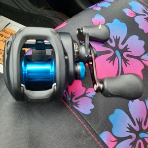 Shimano 150hg SLX DC . right Handed Baitcaster Reel for Sale in Minneapolis, MN