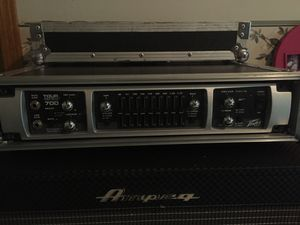Peavey Tour Series 700 w/Road Ready hard gig case for Sale in Alexandria, LA