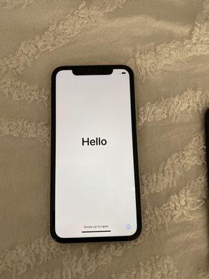 Unlocked iPhone XR 128gb for Sale in El Cajon, CA