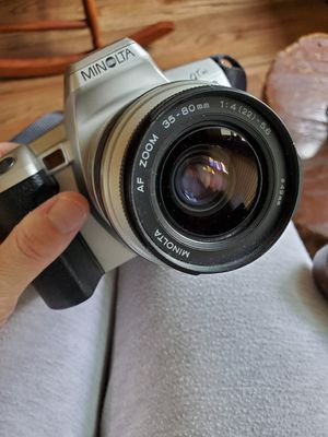 MINOLTA QTsi 35mm Camera w/ AF Zoom 35-80mm Lens for Sale in Georgetown, TX