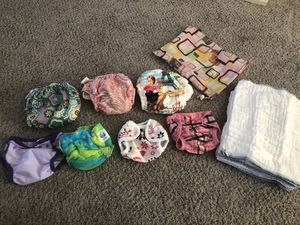 CLOTH DIAPERS SIZE NEWBORN/INFANT for Sale in Stockton, CA