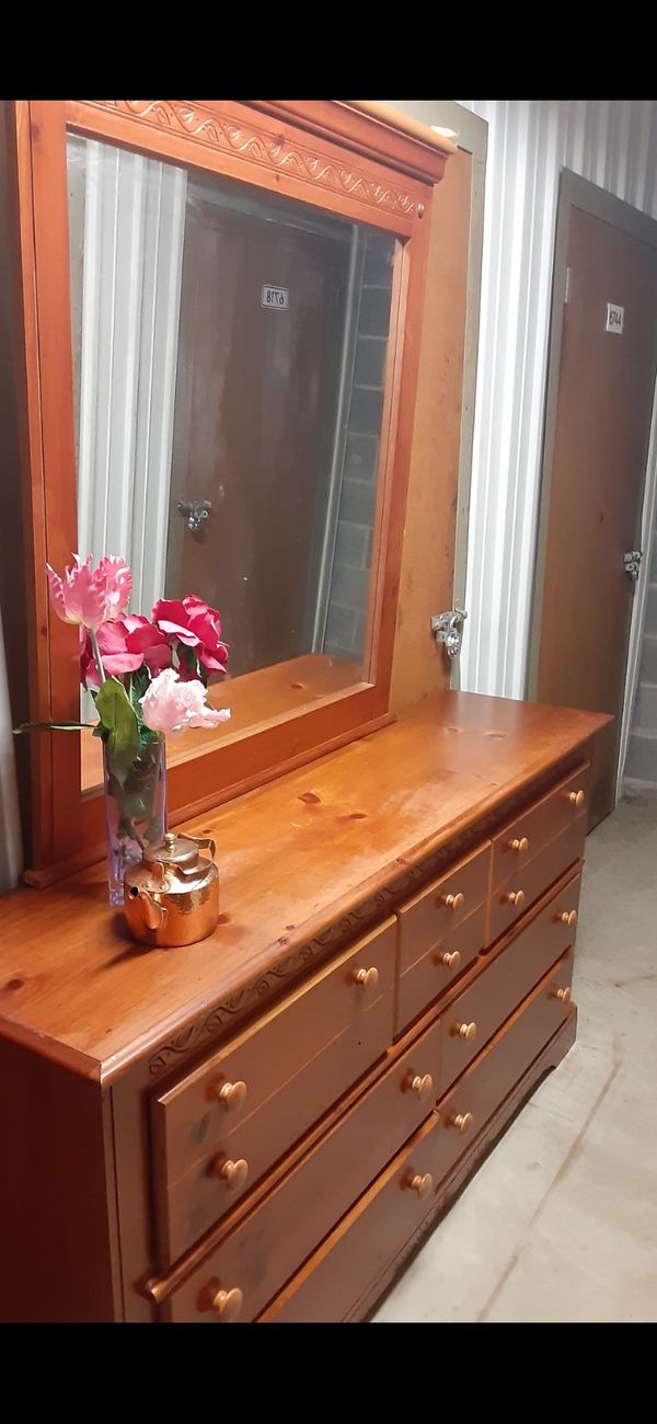 QUALITY SOLID WOOD 7 DRESSER WITH BIG MIRROR ALL DRAWERS SLIDING SMOTHY