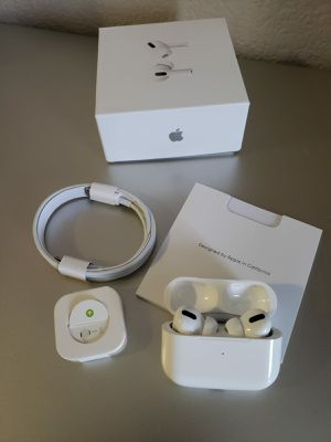 Airpods pro for Sale in ARROWHED FARM, CA