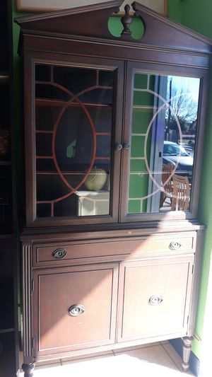 Antique china cabinet for Sale in Irving, TX