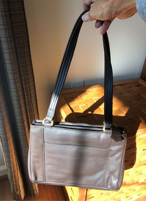 Ili of New York/Toronto for Sale in Martinsburg, WV