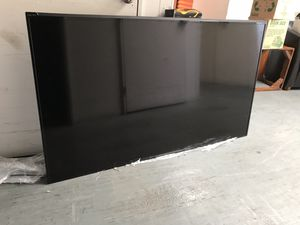"2015 Vizio e-7001 b3 70"" Smart 4K TV in Excellent Condition, $540 Pick up in Oakland by San Leandro border 10/12-10/14 for Sale in Oakland, CA"