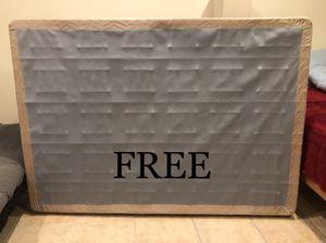 FREE full size mattress box for Sale in Hacienda Heights, CA