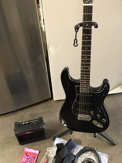 Electric Guitar $100 for Sale in Paramount,  CA