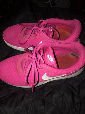 Nike sneakers women's size 8 / excellent condition / hot pink / $10 for Sale in Phoenix, AZ
