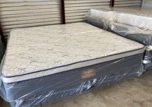 New king majestic plush pillow top mattress and box spring $350 for Sale in Winter Park, FL
