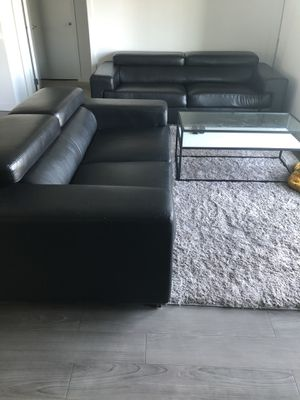 Black Leather 2 pc Sofa and Love seat set for Sale in Campbell, CA