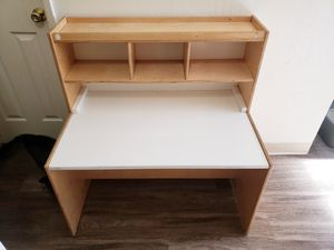 Lakeshore Learning desk for kids for Sale in Suisun City, CA