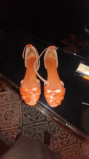 Mossimo ladies summer sandals for Sale in Philadelphia, PA