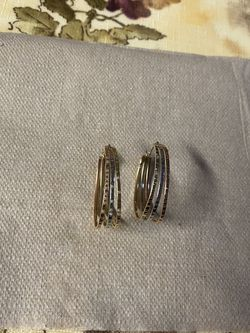 Gold Earing 14kt Price Very Firm 130 for Sale in Falls Church,  VA