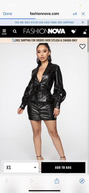 Fashion nova dress size SMALL for Sale in Los Angeles, CA