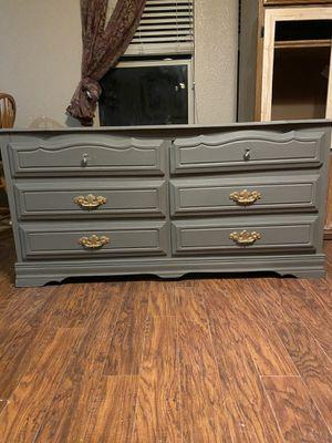 Dresser for Sale in Hanford, CA