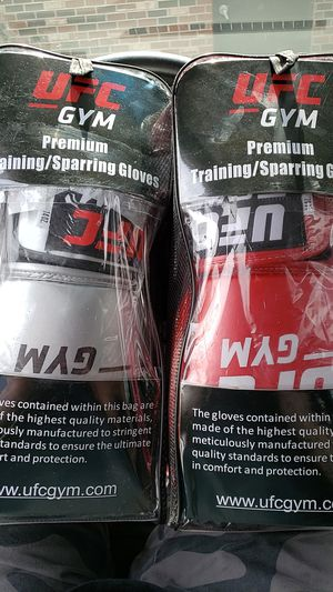 UFC TRAINING/SPARING GLOVES * BRAND NEW * for Sale in Clarendon Hills, IL