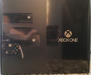 Xbox one (500 GB) day one edition + kinect sensor + 11 games + two controllers + turtle beach headset for Sale in Austin, TX