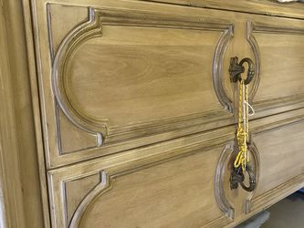 Armoreire by vintage Bernhardt With 3 Drawers and 2 Mirrors inside Asking $550. Obo for Sale in Boca Raton,  FL