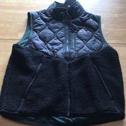 Brand new Nike Sherpa black green vest jacket full zip men's medium M for Sale in El Cajon, CA