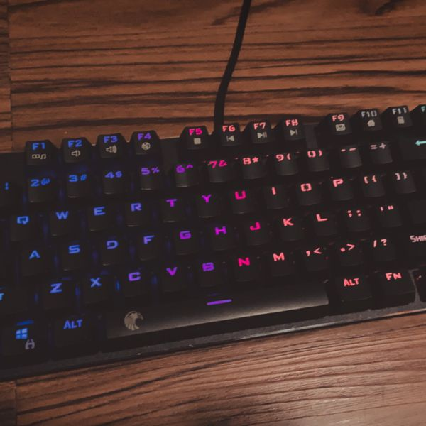 Mechanical Keyboard 60% (Red switches)