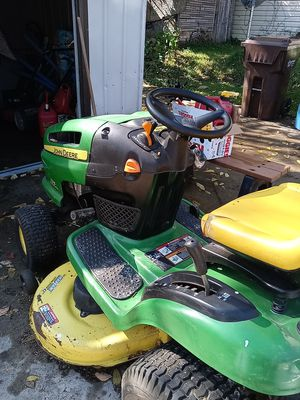 John Deere tractor runs great for Sale in Akron, OH