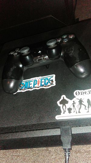Brand new 1TB PS4 w/controller for Sale in Aberdeen, MS
