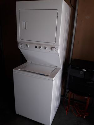 Like new Kenmore stackable washer and gas dryer 1 year old $599.read below 👇👇👇 for Sale in Los Angeles, CA