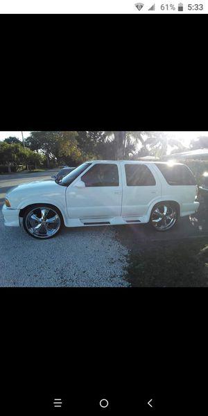Chevy Blazer for Sale in Pompano Beach, FL