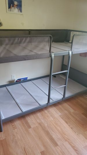 Twin bunk bed for Sale in Garden Grove, CA