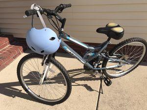 Women's Bicycle & Helmet for Sale in Murfreesboro, TN
