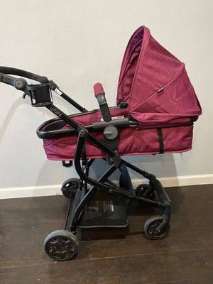 Urbini stroller/ car seat. for Sale in East Compton, CA