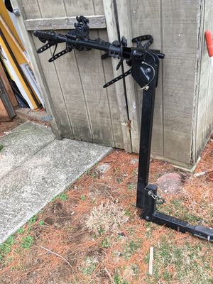 THULE hitch bike rack for Sale in Columbus, OH