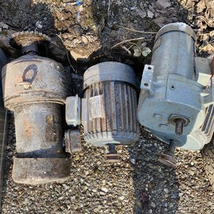 Free Motor And Metal Scratch for Sale in Seattle, WA