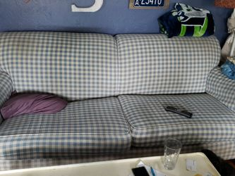 Free Couch And Chair. Flexsteel for Sale in Tacoma,  WA