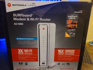 Motorola Arris SURFboard modem & router all in one system! for Sale in Elgin, TX