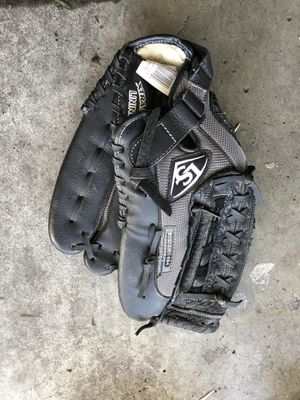 Softball glove for Sale in Costa Mesa, CA